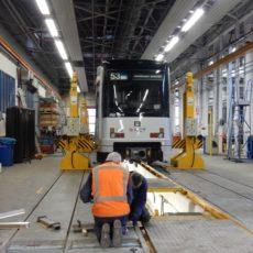 Inbouwen aluminium profielen GVB Amsterdam